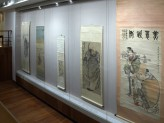 Chinese Paintings Gallery - Beauties and Heroes exhibition hanging scrolls. © Ashmolean Museum, University of Oxford