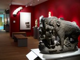 India gallery showing freestanding sculptures. © Ashmolean Museum, University of Oxford
