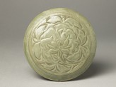 Greenware circular box and lid with peony decoration (EA1956.1218)