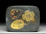 Kobako, or small box, with flowers and shells
