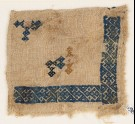 Textile fragment with linked and interlaced diamond-shapes