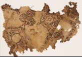 Textile fragment with remains of a large medallion with a trefoil finial
