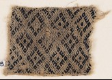 Textile fragment with linked diamond-shapes (EA1984.378)
