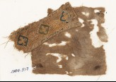 Textile fragment with quatrefoils set into diamond-shapes (EA1984.517)