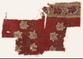 Textile fragment with naturalistic flowers (EA1990.1171)