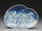 Dish with leaves and waves