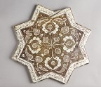 Star tile with vegetal and calligraphic decoration (EAX.289.a)