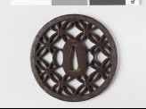 Round tsuba with interlacing rings and leaves (EAX.10249)