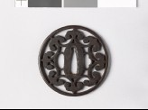 Round tsuba with floriated cusps (EAX.10662)