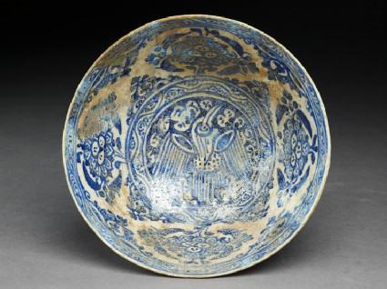 Bowl with bird and peoniestop