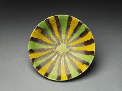 Bowl with radial decorationtop
