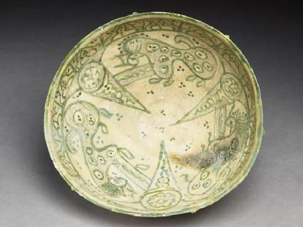Bowl with three animalstop