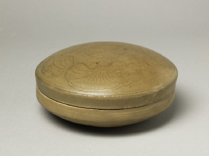 Greenware circular box and lid with lotus flowersoblique