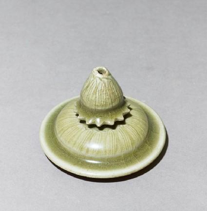 Greenware lid with lotus petalsoblique