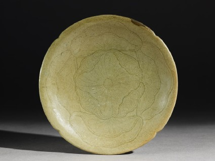 Greenware saucer dish with a lotus flowertop