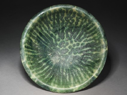 Bowl with splashed decoration in greentop