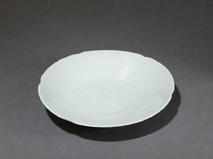 White ware dishoblique