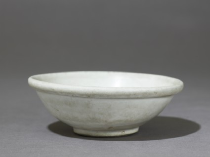 White ware bowl with thick rolled rimoblique