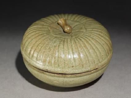 Greenware circular box and lid with lotus coveroblique