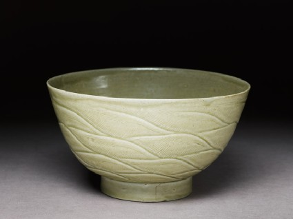 Greenware bowl with wavesoblique