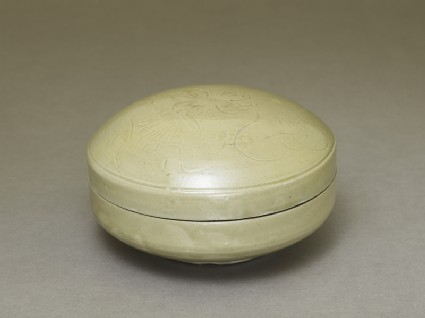 Greenware box with lotus floweroblique
