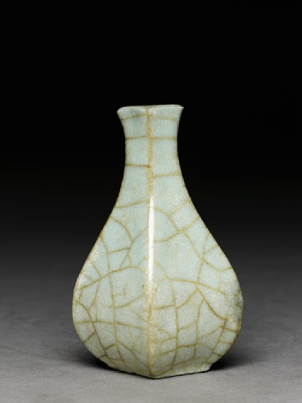 Greenware vase in the style of Guan wareside