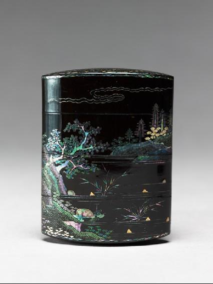 Inrō with landscapefront