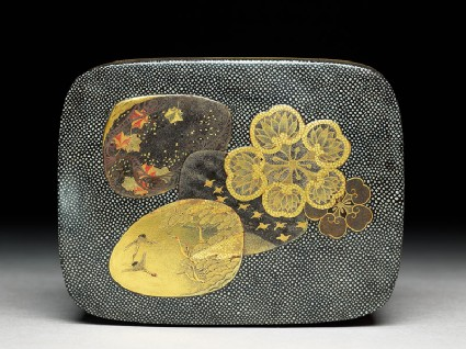Kobako, or small box, with flowers and shellstop
