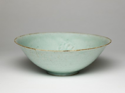 White ware bowl with flowersoblique