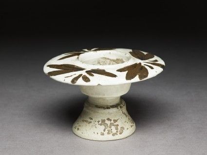Cizhou type cup stand with floral decorationoblique