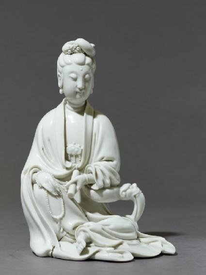 Dehua ware figure of the bodhisattva Guanyinside