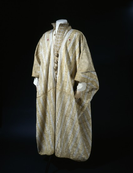 Arab robe worn by T. E. Lawrencerobe oblique, also shows shirt LI077.2 worn underneath