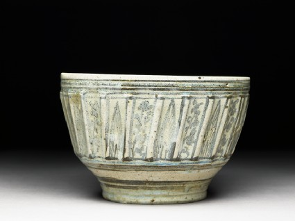 Bowl with iron-black decorationside