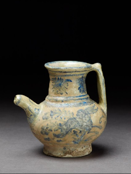 Jug with hareoblique