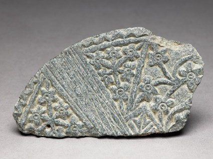 Lid fragment with floral decorationtop