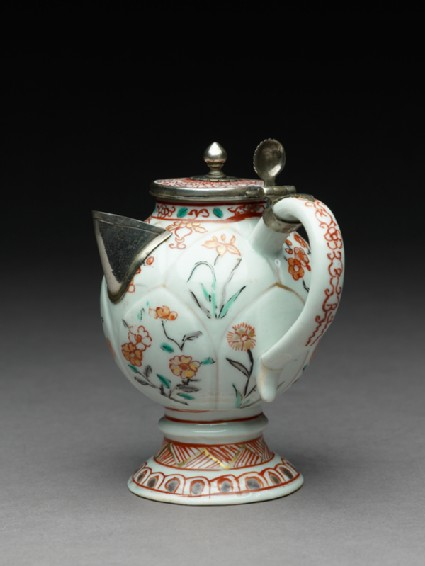 Mustard pot or jug with Dutch mountsside