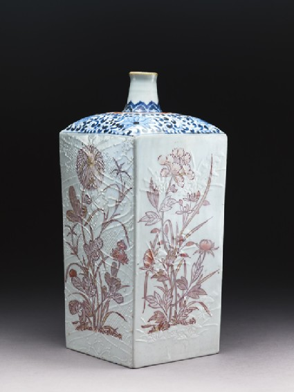 Square bottle with floral decorationside