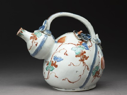 Gourd-shaped ewer with moulded vine leavesside