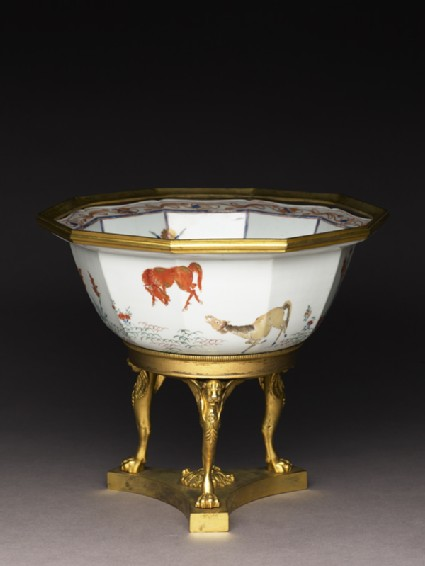 Bowl with horses and English Empire-style mountsoblique