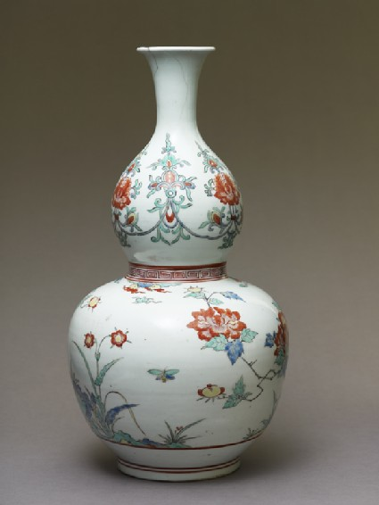 Bottle in double-gourd form with birds and peoniesside