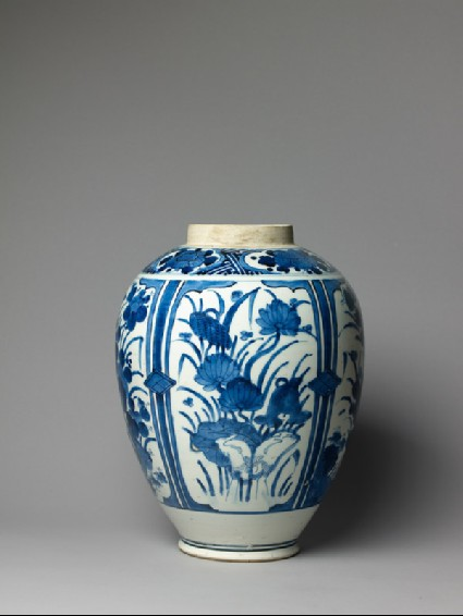 Jar with floral decorationside