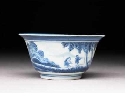 Bowl with 'Deshima Island' themeside