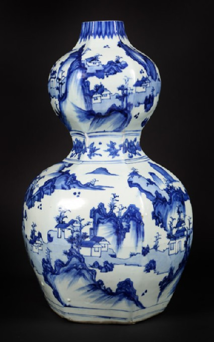 Blue-and-white hexagonal vase in double-gourd formfront