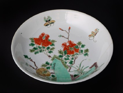Dish with flowers and butterfliesfront