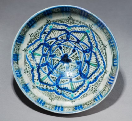 Bowl with interlacing starstop