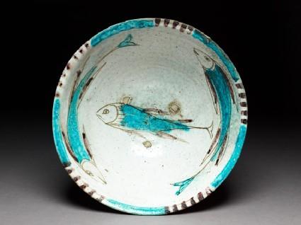 Bowl with three fishtop