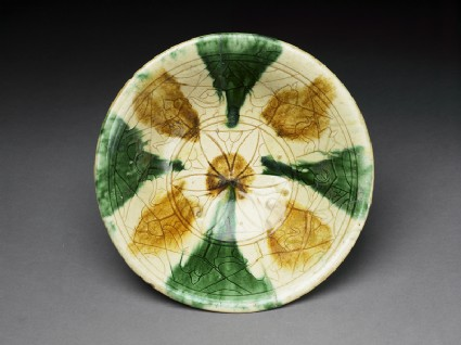 Bowl with sgraffito decorationtop