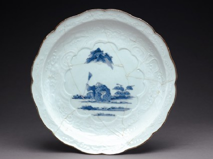 Foliated dish depicting the sages Kanzan and Jittokutop