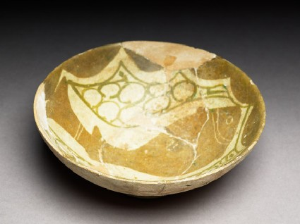 Bowl with fishoblique