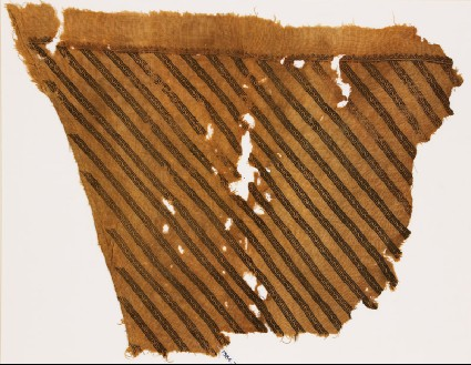 Textile fragment from a garment with bands of Z-shapesfront